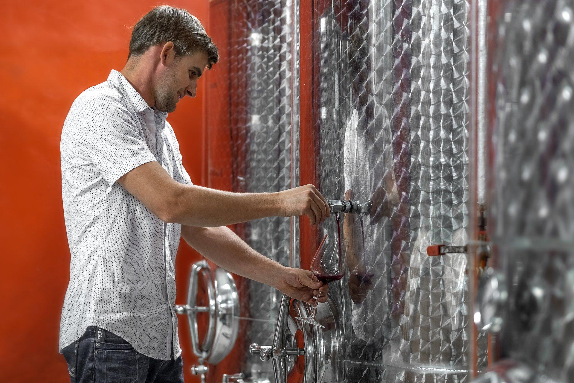 Weinverkostung mit Kellerführung